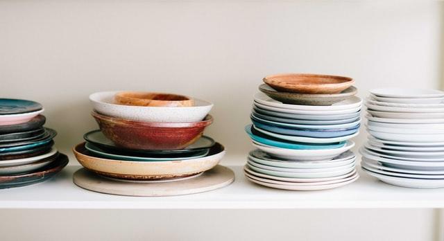 zastawa stołowa, serwis obiadowy, zastawa kuchenna, porcelana, zestaw porcelanowy, talerze, miski,