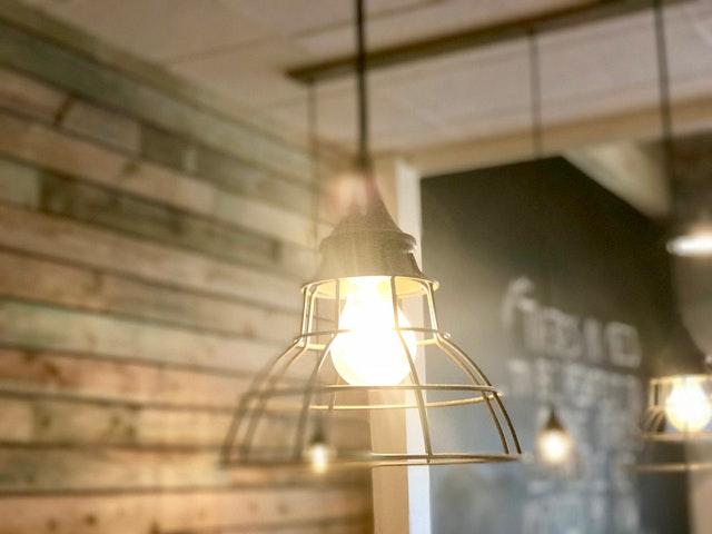żyrandol, żyrandol do domu, oświetlenie domu, lampa, lampa sufitowa, oświetlenie salonu, światło