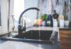 Kuchnia, wyposażenie kuchni, wystrój kuchni, kran, akcesoria do kuchni