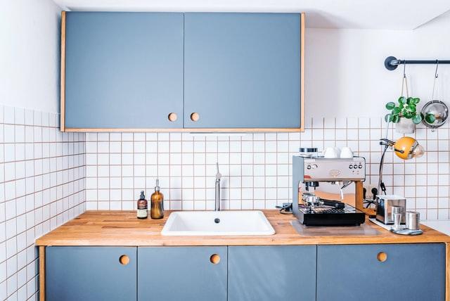 styl vintage, vintage, kuchnia vintage, kuchnia w stylu vintage, aranżacja kuchni, wystrój kuchni, starodawna kuchnia, meble vintage, kolory vintage